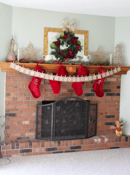 Creating A Beautiful Holiday Mantel