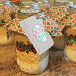 Give A Homemade Gift - Cookies In A Jar