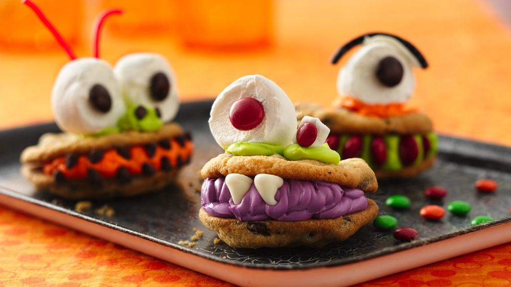 Pillsbury chocolate chip cookies makes these adorable Chomping Monsters so fun!