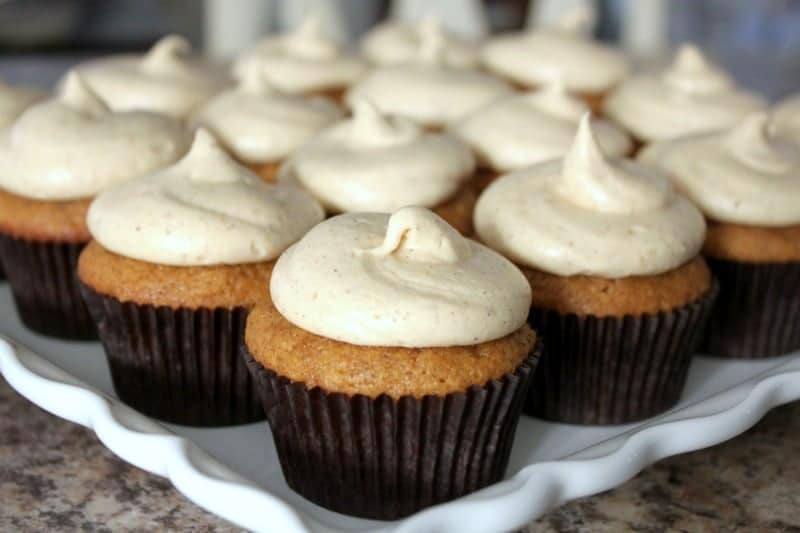 Pumpkin Spice Cupcakes with Pumpkin Cream Cheese Frosting