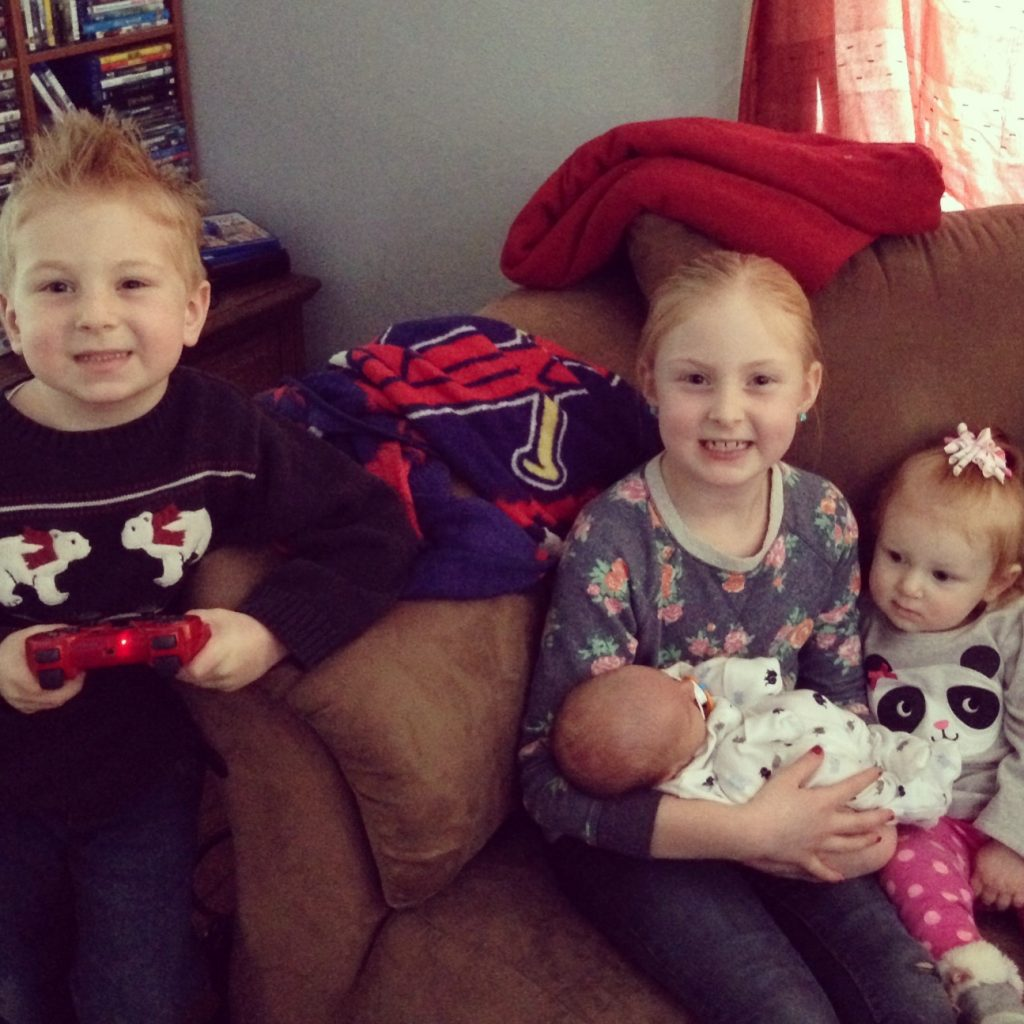 The kids meet their baby cousin, Lyric!