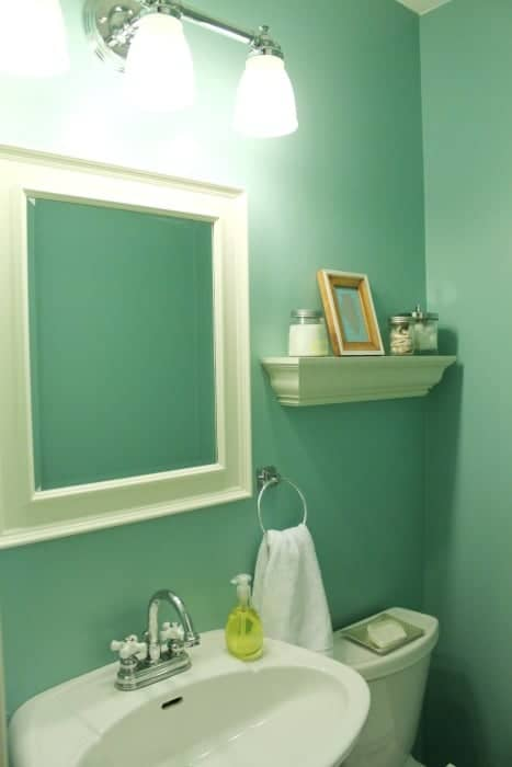 Updated bathroom on a budget - super cute!