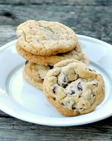 Make Bakery Style Chocolate Chip Cookies at home!