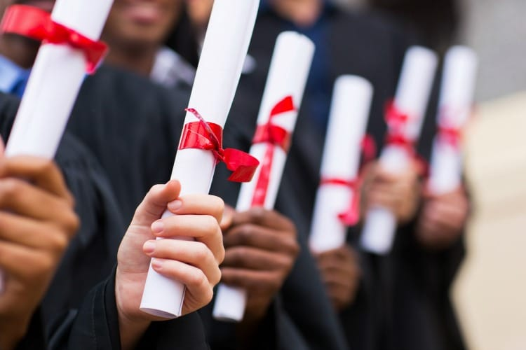 5 Tips For Planning a Graduation Party