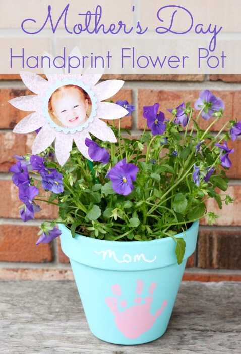 This Mother's Day Handprint Flower pot is sure to be one of your favorites for years to come!