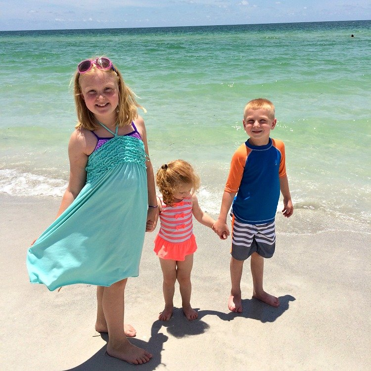 beach-kids