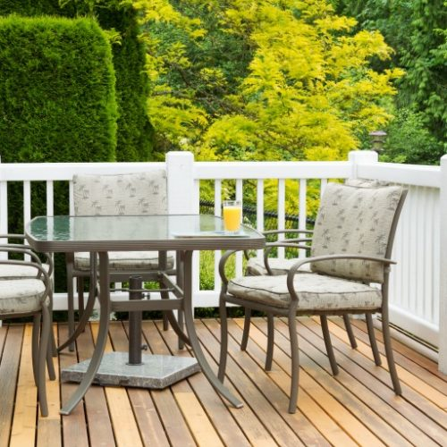 Cleaning patio furniture is a breeze with these 4 simple steps!