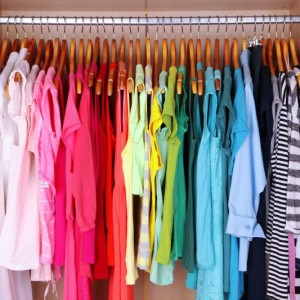 Here's 3 Tips for Organizing Summer Clothes to help get your closet tidy and clean!