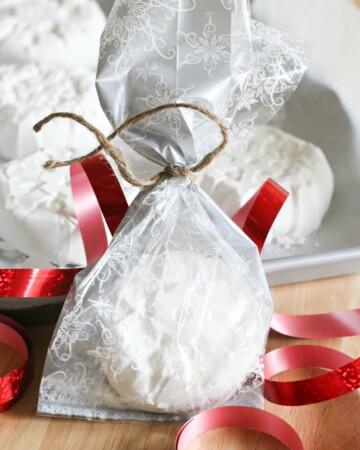Festive Bath Bombs make the perfect gift!