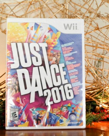 Right on time for the holidays – the perfect family activity, Just Dance 2016 is now available for all motion-control gaming platforms, including Xbox One, Xbox 360, PlayStation 4, PlayStation 3, Wii U and Wii.