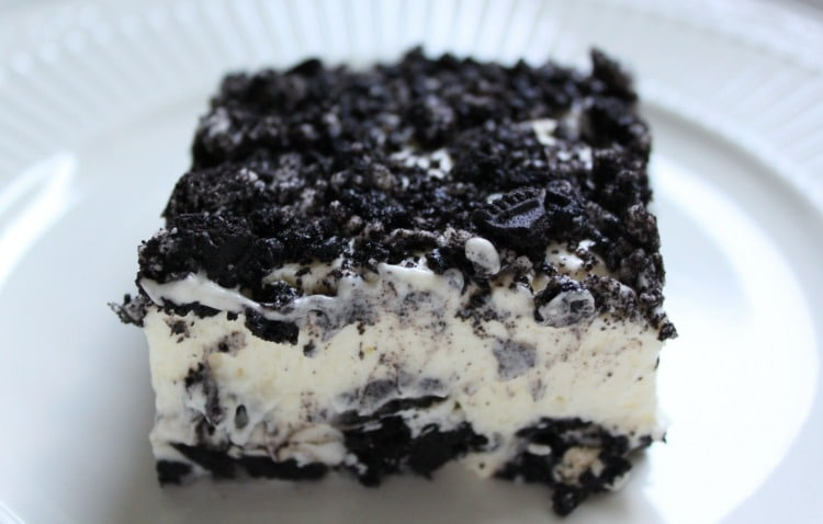 This No Bake Oreo Dessert is easy and delicious!