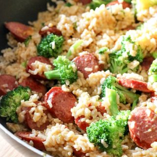 Thisquick & easySmoked Sausage & Rice One Skillet MealRecipecan be made in under 30 minutes and promises to be a hit around your dinner table!