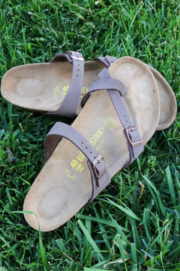 famous-footwear-3