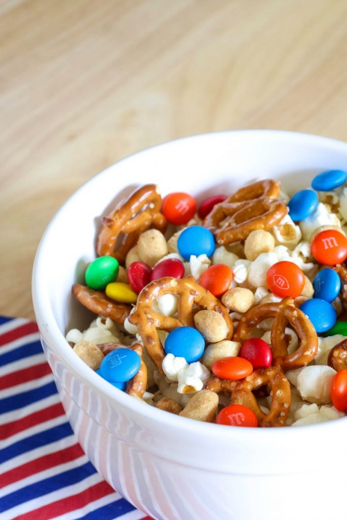 If you enjoy a plate full of snacks and finger foods while hanging out, you'll love this NEW Sweet & Salty Snack Mix that you won't be able to quit eating!