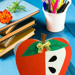 12 Sweet Apple Crafts For Kids