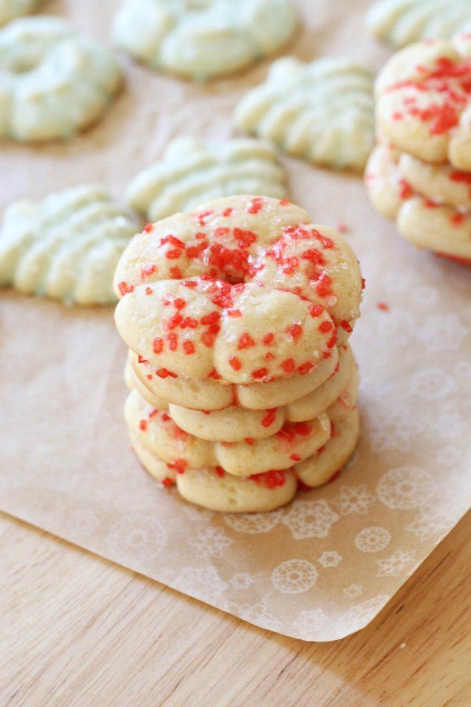 classic spritz cookies - Classic Christmas Cookies