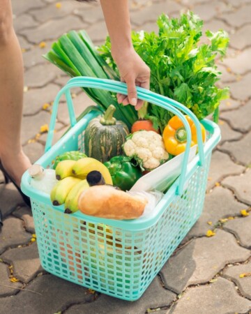 The BEST TIPS for How to Save The Most Money on Groceries each week!