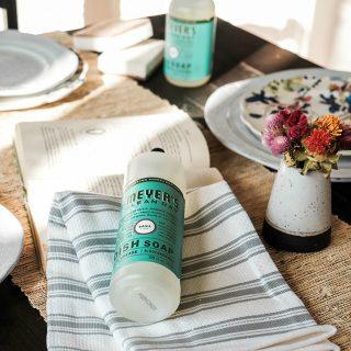 My Kitchen Cleaning Routine + Free Kitchen Essentials from Grove Collaborative!