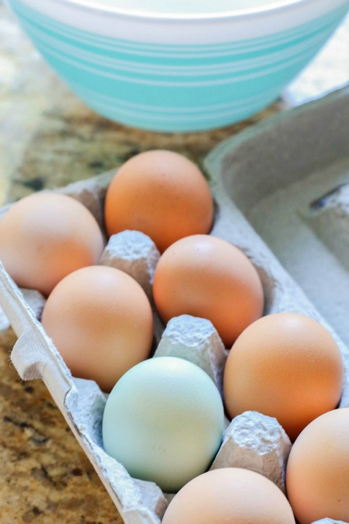 farm fresh eggs, pyrex bowl