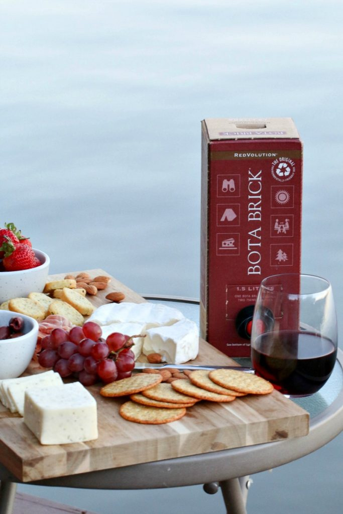 How To Have An Amazing Date Night Close To Home with Bota Box Wine
