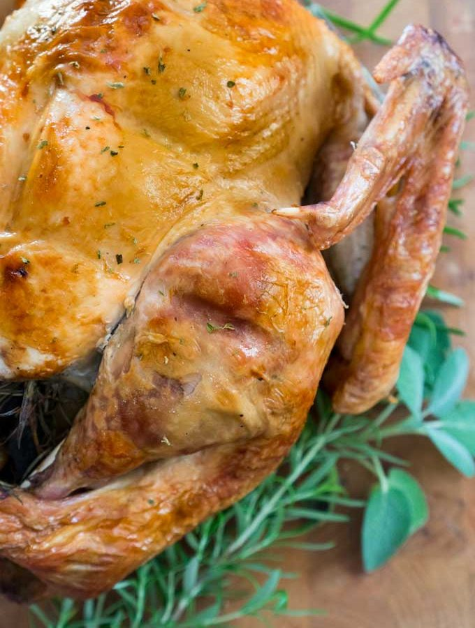 The Ultimate Thanksgiving Guide – hosting tips, recipes and more!