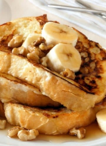 Learn how to make the best frenchtoast recipe each and every time with these tips and tricks to never make boring, soggy french toast again!