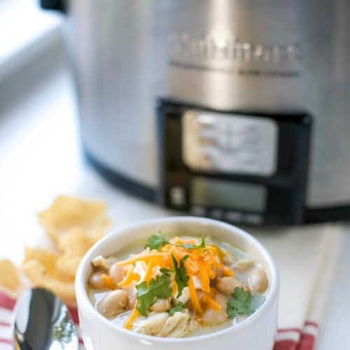 Grab simple slow cooker tips and tricks to get the most out of your crock pot. Slow cookers take the stress out of meal prep for busy moms and families.
