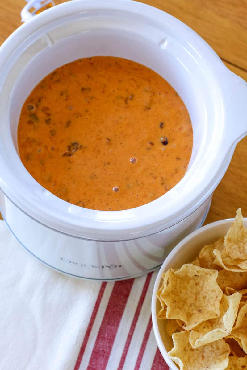 slow cooker chili cheese dip