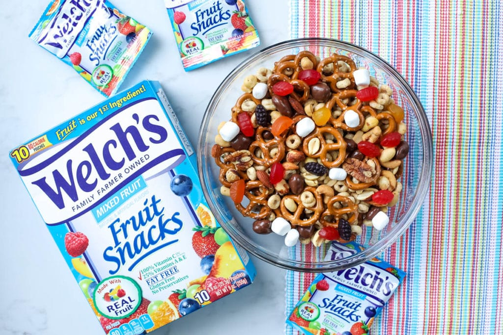 trail mix with welch's fruit snacks