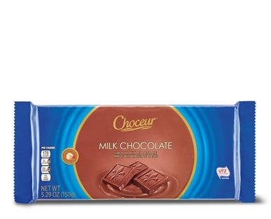 Bar of Choceur Milk Chocolate candy from Aldi.