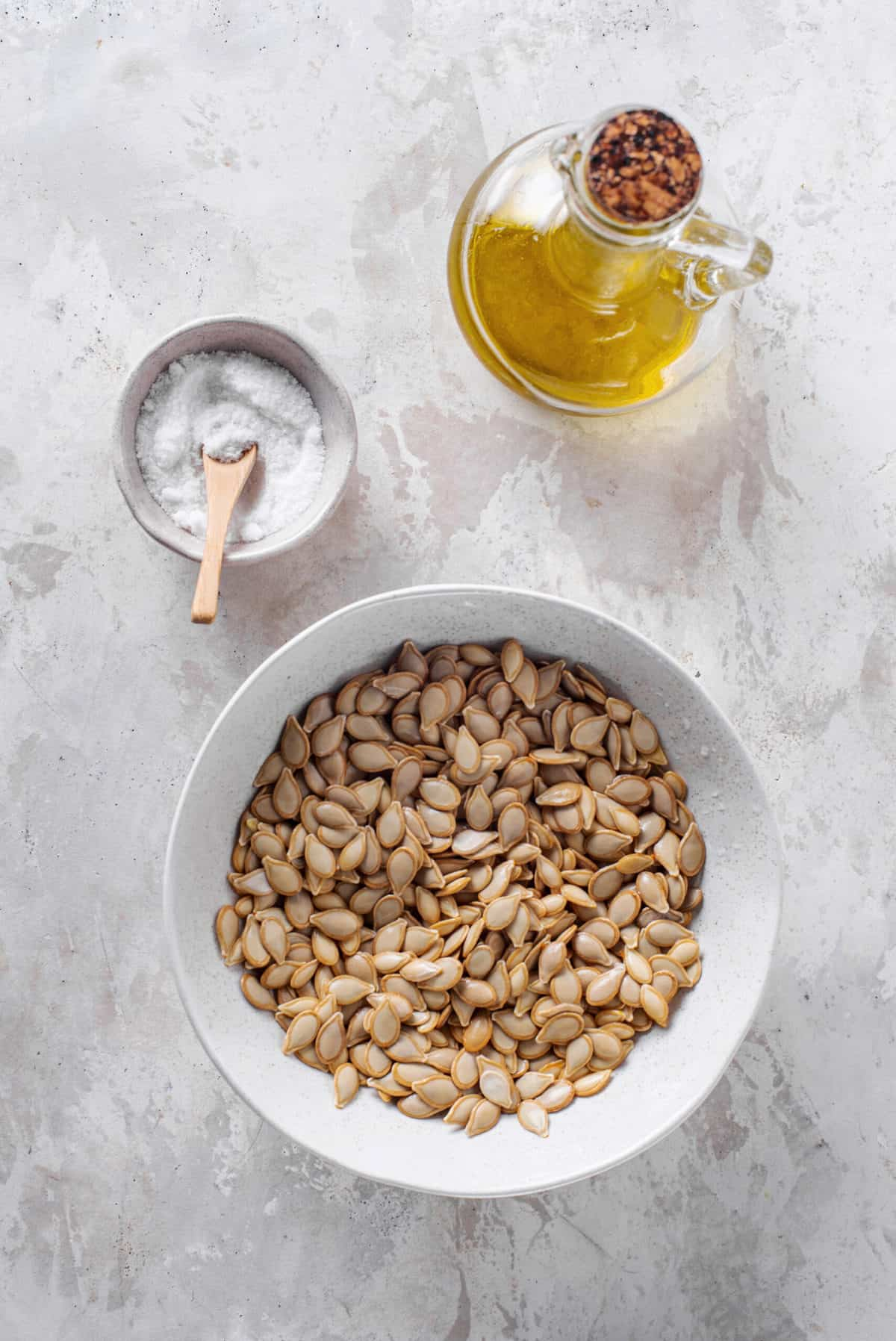 Ingredients to make roasted pumpkin seeds